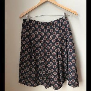 Loft - pleated skirt with elastic band